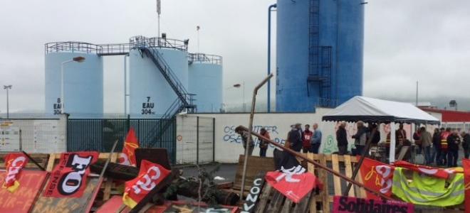 Cournon-d'Auvergne : des manifestants envisagent le blocage du dépôt de carburant